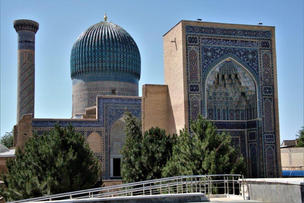 מוזואוליאומים ומסגדים – פנינים אדריכליות בסמרקנד