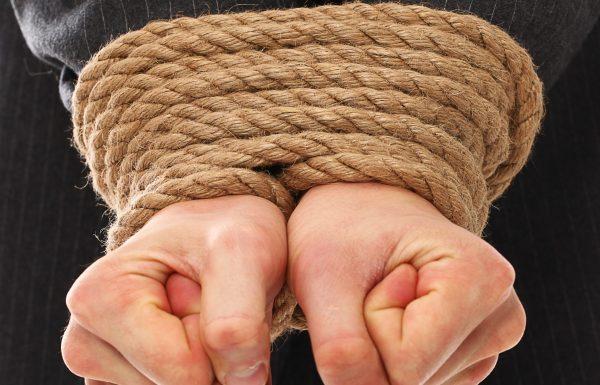 פרשת ראה – כשאדם בוחר להיות עבד